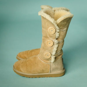 UGG 6 Tall Bailey Triple Three Button Boots
